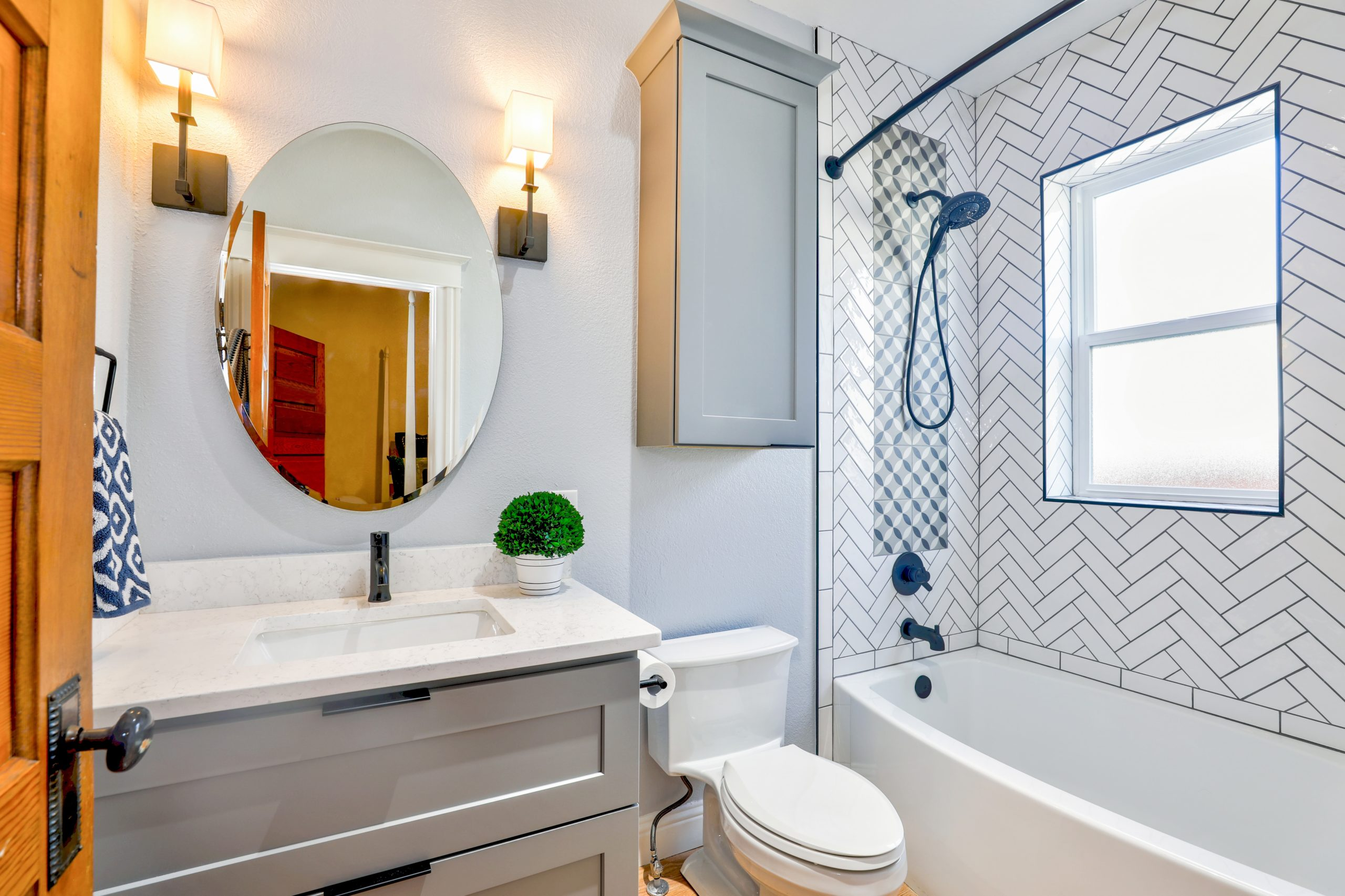 Balance Colors And Textures In The Bathroom