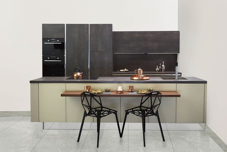 kitchen cabinets with two-tone design