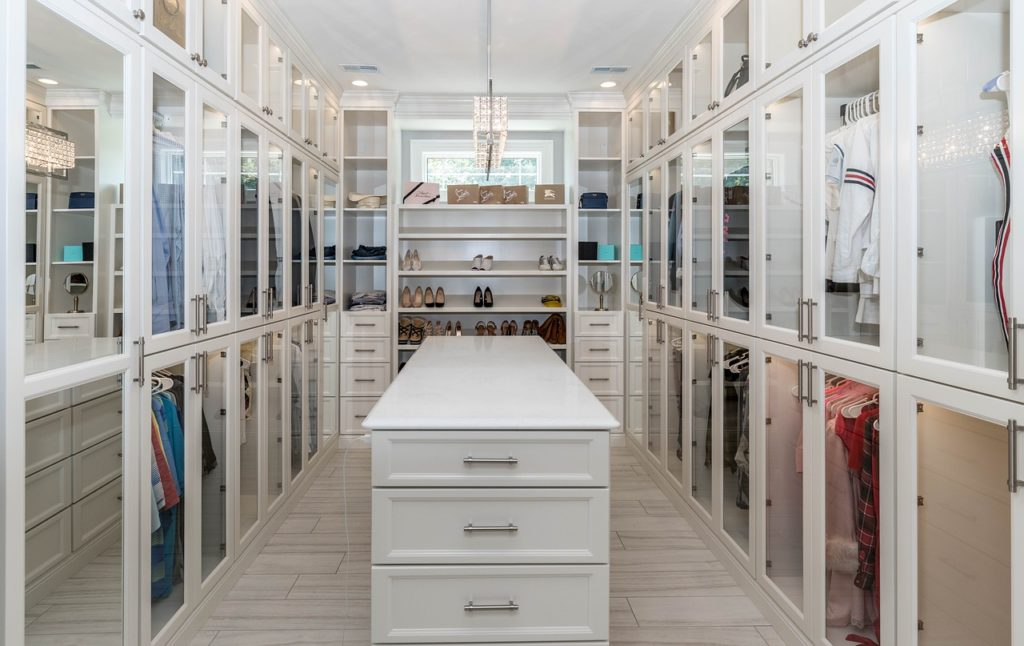 Walk In Closets A Complete Guide For Your Storage Needs