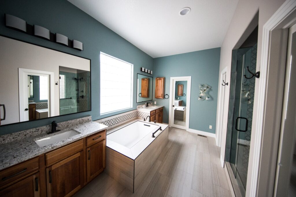bathroom with laminate floor