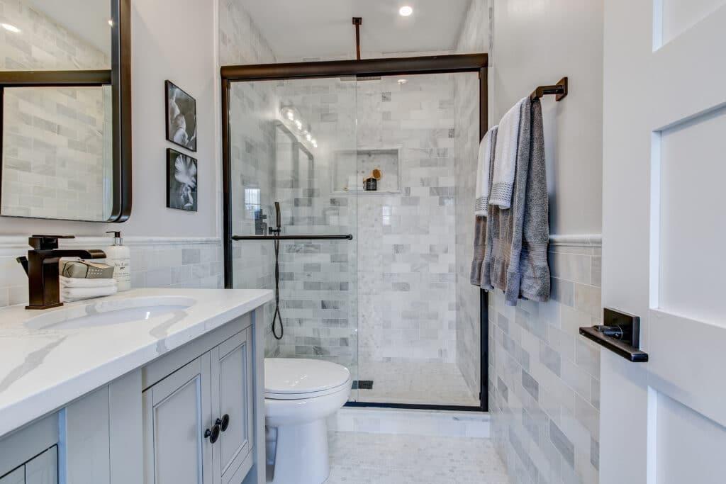 bathroom remodeling tiling