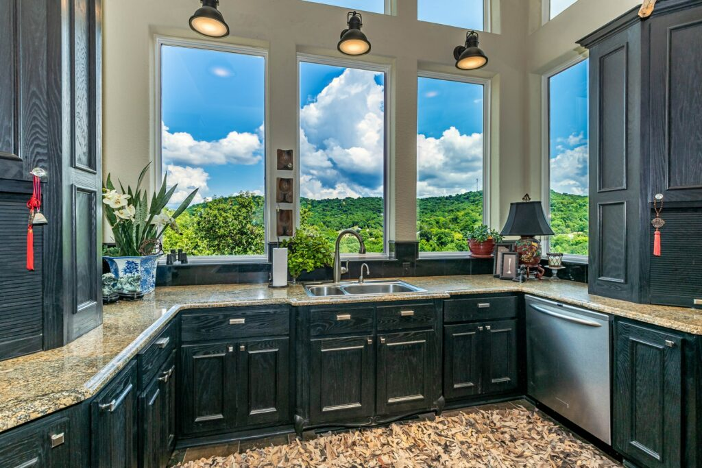 green kitchen cabinet color ideas
