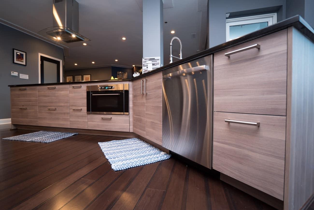 kitchen and bath shop flooring