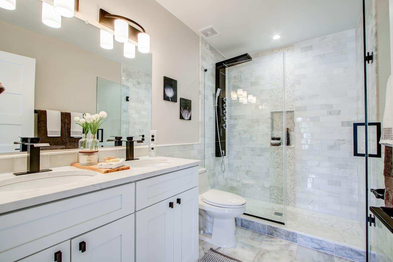 choosing bathroom lighting