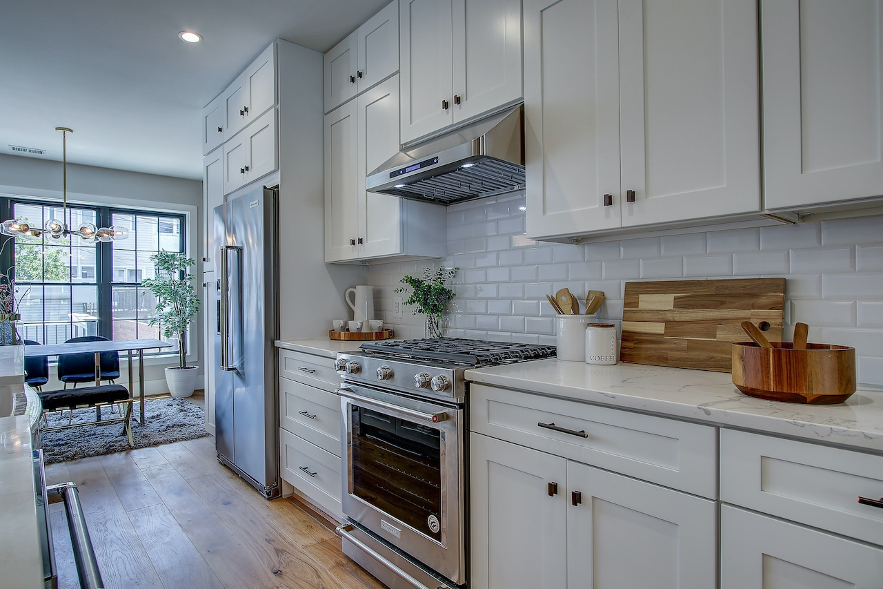 essential features kitchen cabinetry