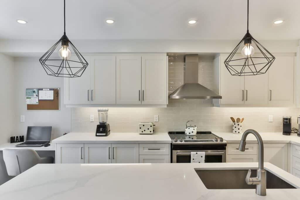 glass tile kitchen backsplash trends