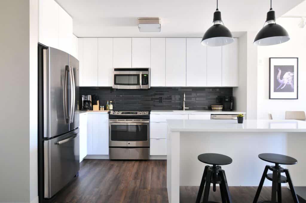 kitchen backsplash factors