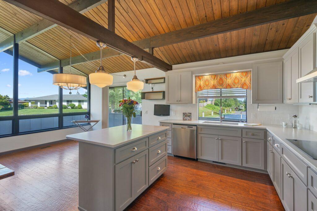 using kitchen layout design